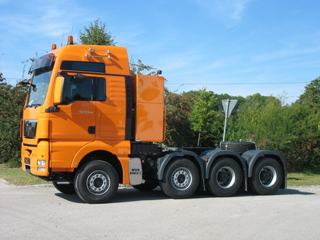 Four-Axle Heavy Haulage Truck
